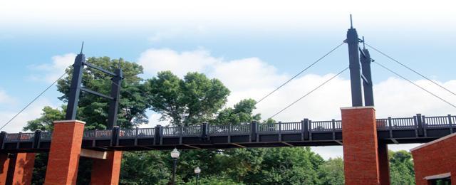 田纳西州大学锚杆大学的第一座复合吊桥 - 首选的逻辑材料